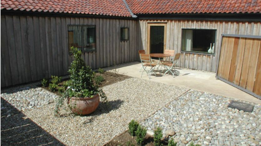 Little Barsham exterior  - Barn 4