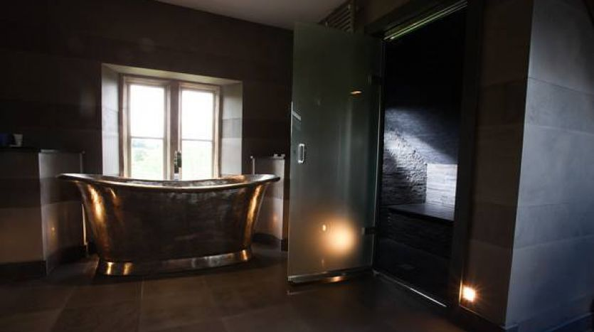 Bath and steam room
