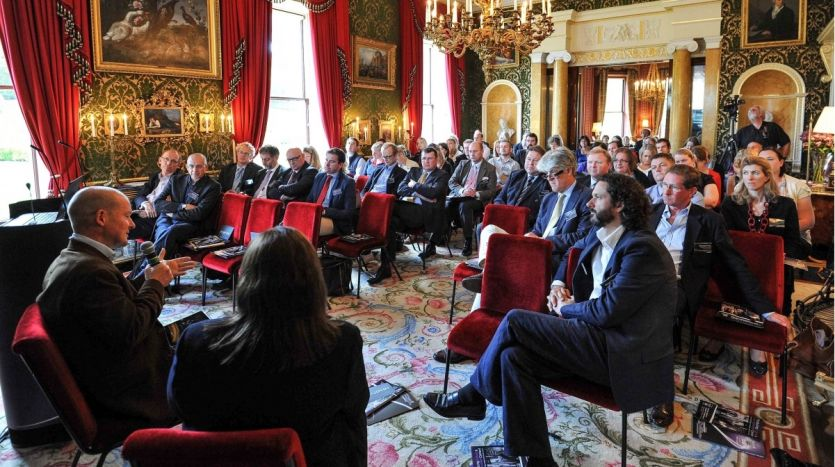 Conference in the drawing room