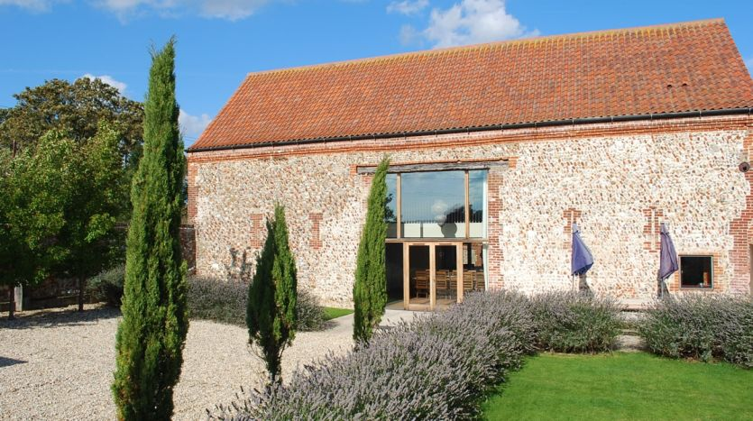 High Barsham Exterior - Barn 3